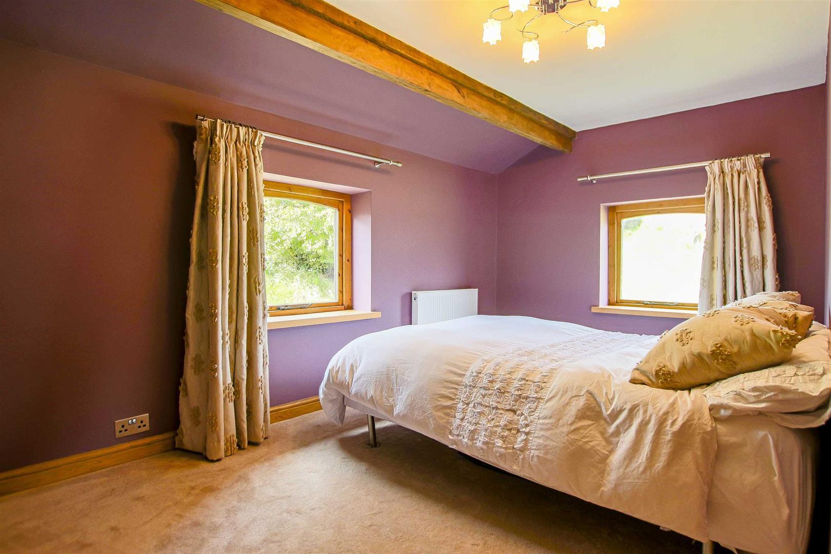 5 Bedroom Cottage For Sale - Image 23